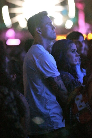 Katy-Perry-and-Robert-Ackroyd-at-Coachella-pics