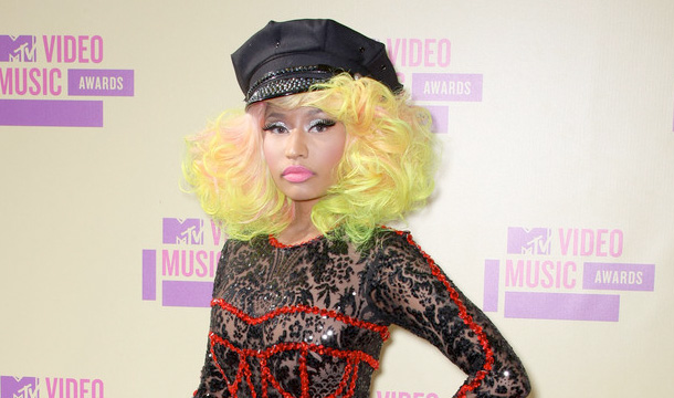 Nicki Minaj in a Donatella-Versace out on the red carpet at the VMA's