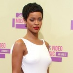 Rihanna's 2012 VMA Hair Cut was Criticized by Piers Morgan
