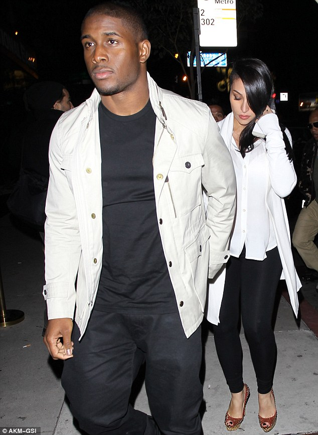 Reggie Bush and Kim Kardashian Look alike Girlfriend 4
