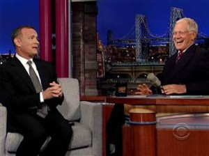8C9308207-tdy-131008-hanks-letterman-02_blocks_desktop_tease