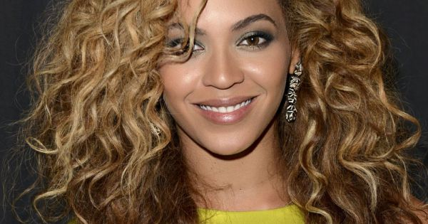 4165-beyonce-was-photographed-at-the-2012-600×315-2