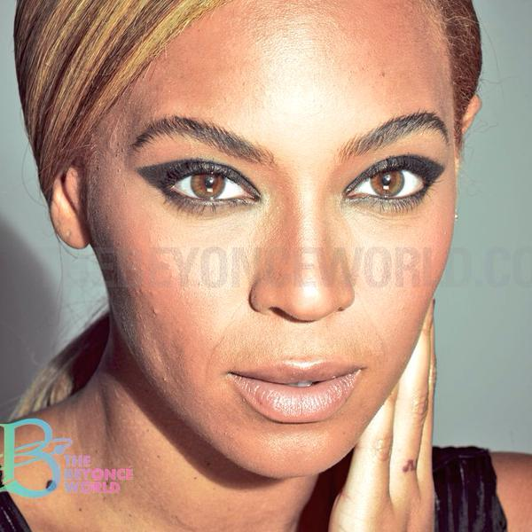 Beyonce unretouched photo L'Oreal 2013 - 3