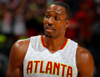 Dwight Howard Ain't Playing No More, Challenges Lakers Fan To Fight After Being Called A Bitch! (VIDEO)