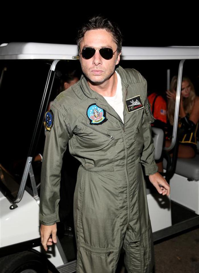 Zach Braff as Tom Cruise in Top Gun