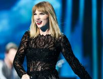Taylor Swift Is Trying To Overshadow The Sun, Teases Fans With A Mysterious Video Showing A Slithering Snake? (VIDEO)
