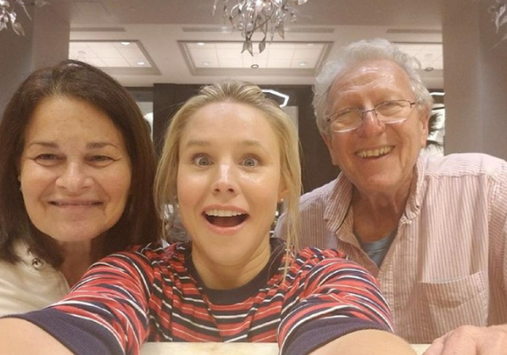 Kristen Bell Was Stuck In Orlando During Hurricane Irma, And She Spent The Entire Time Doing Good Deeds For The People Inside Her Hotel